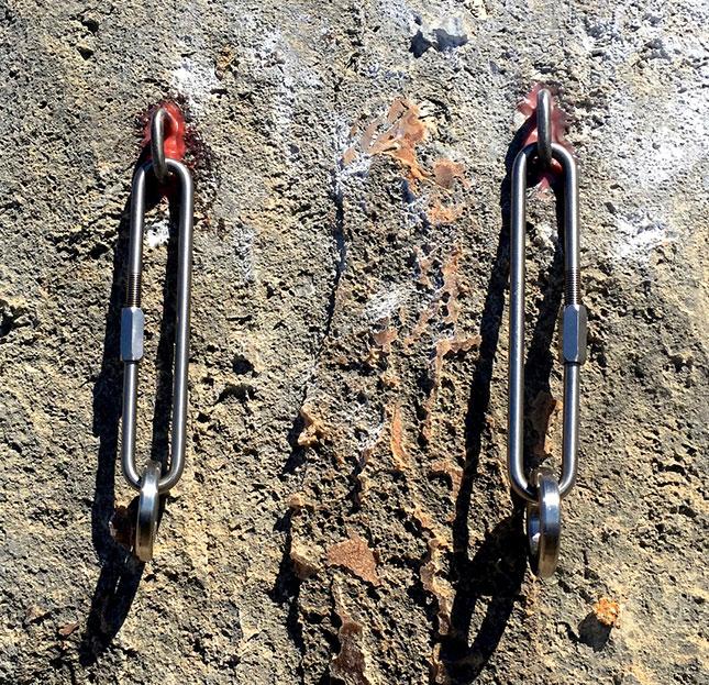 Titanium abseil rings